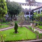 interno convento quito