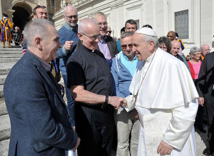 Il consiglio pastorale LGBT+ di Westminster con papa Francesco